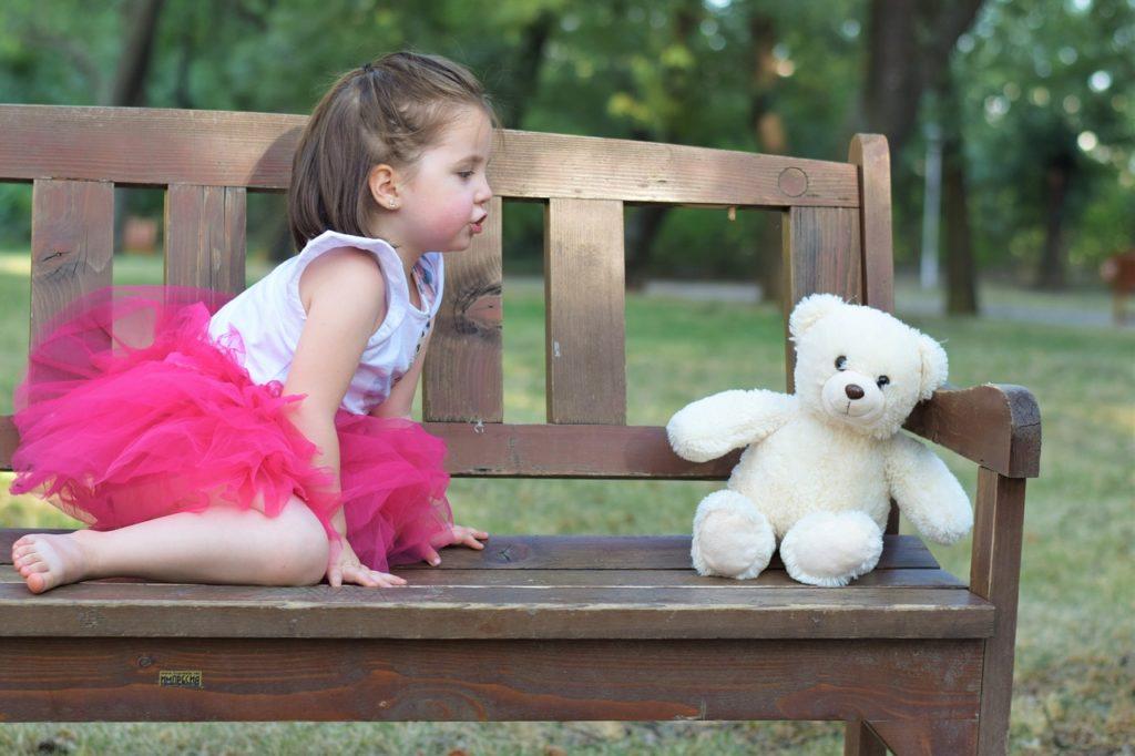 Девочка и мишка