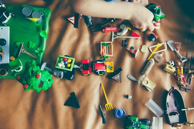 Как заставить ребенка убираться в своей комнате.